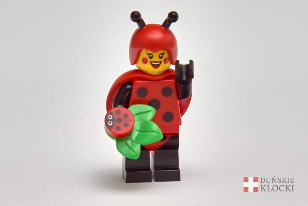 Dziewczyna w kostiumie biedronki z 21 serii minifigurek