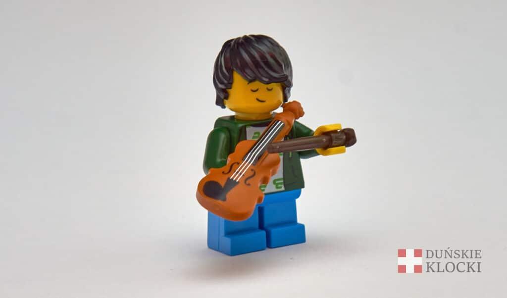 Chłopiec ze skrzypcami z 21 serii minifigurek