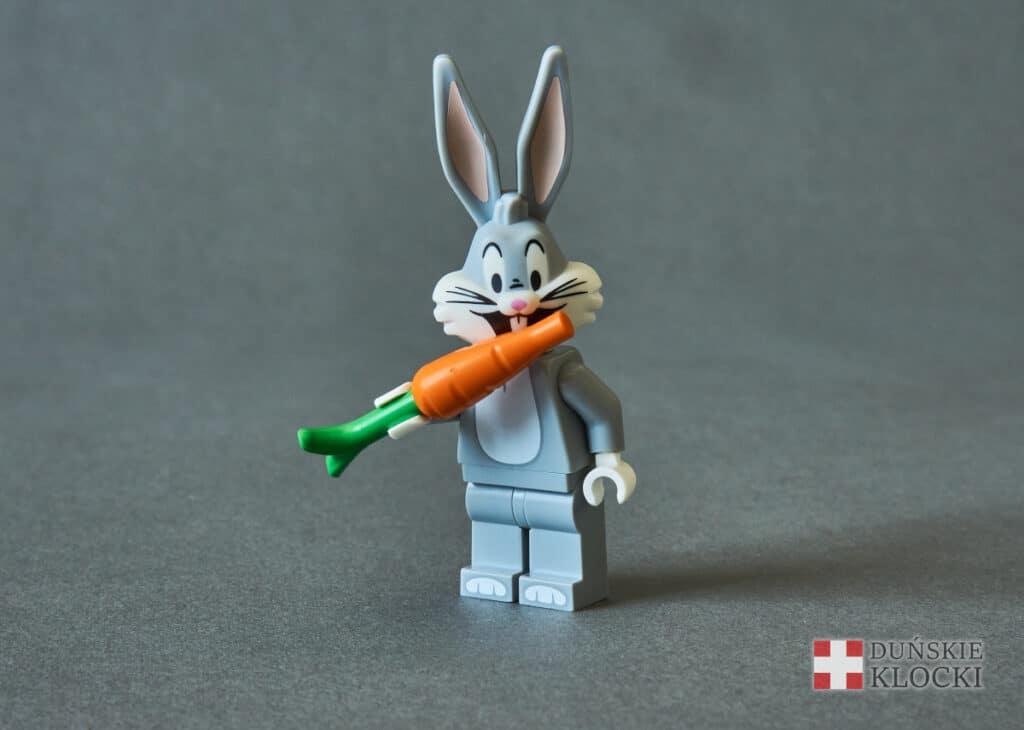 minifigurka Looney Tunes Królik Bugs złożona