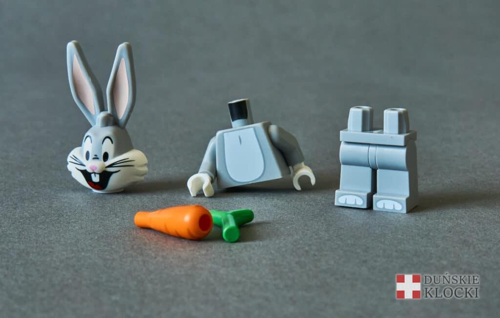 minifigurka Looney Tunes Królik Bugs rozłożona